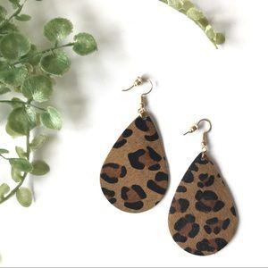 Jewelry - NWT leopard print black brown leather earrings